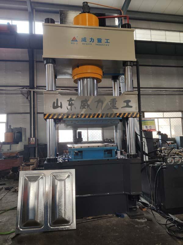 500吨不锈钢巧克力水箱板冲压液压机